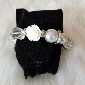 Paparazzi White Clear Silver  design bracelet